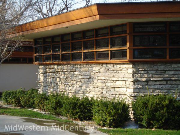 Midwestern midcentury mid century modern frank lloyd House plans iowa