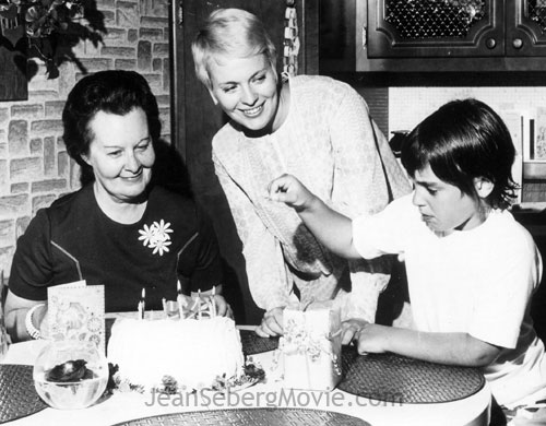 Alexandre Diego Gary with mother Jean Seberg and grandmother Dorothy Seberg.