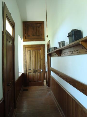 KS Lanesfield cloak room