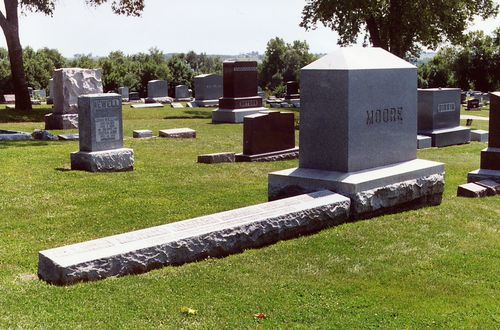 Moore gravestone