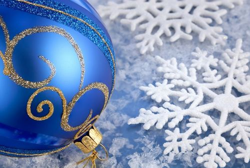 Blue-christmas-ornaments-tm1ej610b