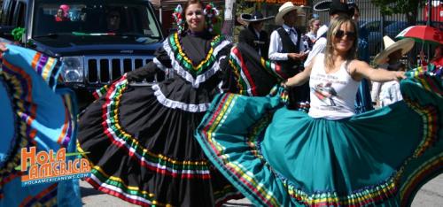 Parade-em-1-740x347_Hola America