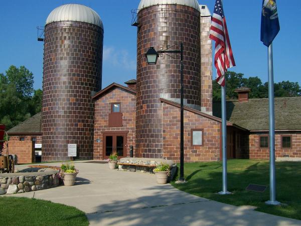 Rochester Hills Dairy-Barn-entrance-1