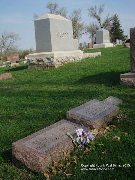 Moore Stillinger graves_WM