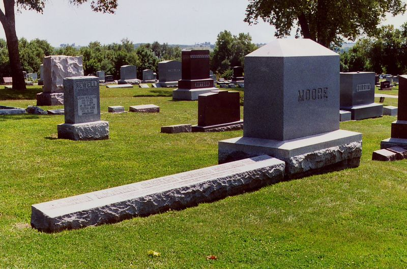 Moore gravestone adj