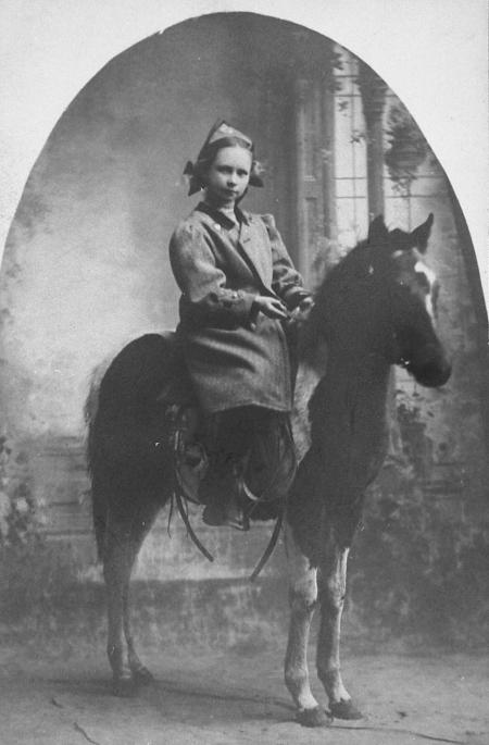 Ervalene on horse