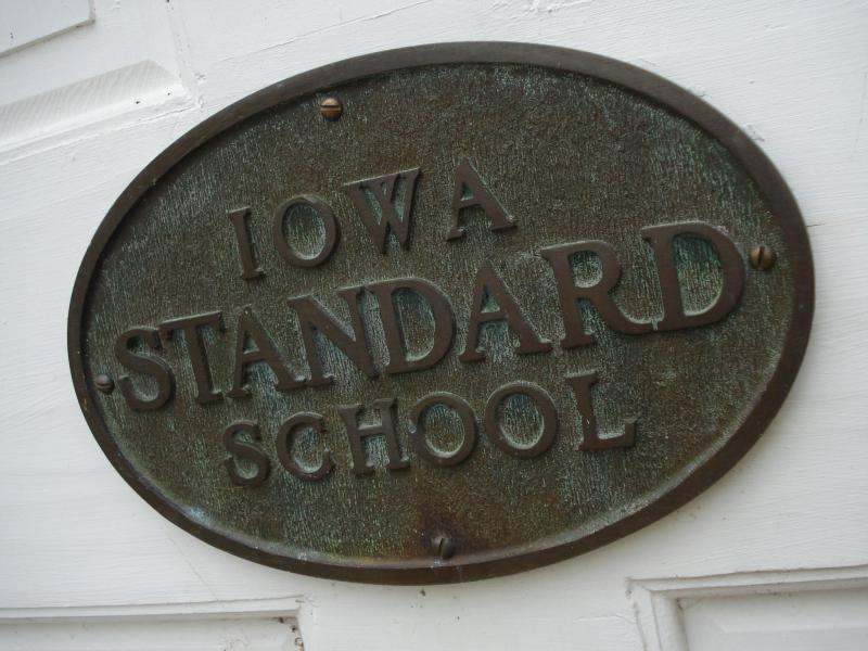 Iowa standard school plate