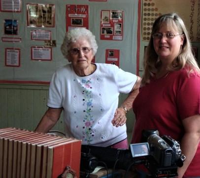 Nona Hansmeier & Tammy adj